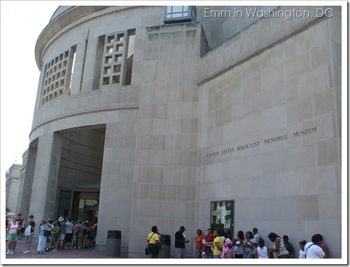 DC: The Holocaust Museum and Smithsonian   Emm in London